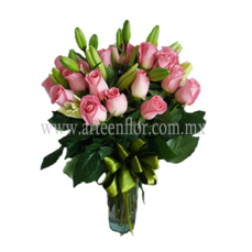 24-Rosas-Rosadas-y-y-5-lilys-blancas