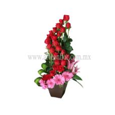 24-Rosas-rojas-en-espiral-con-gerberas